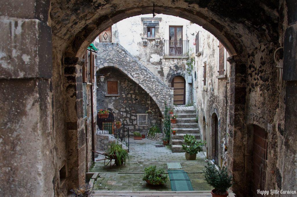 Santo Stefano di Sessanio vicolo