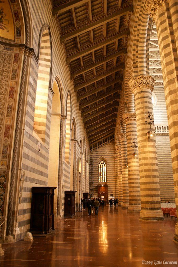 Orvieto_Duomo_Interno