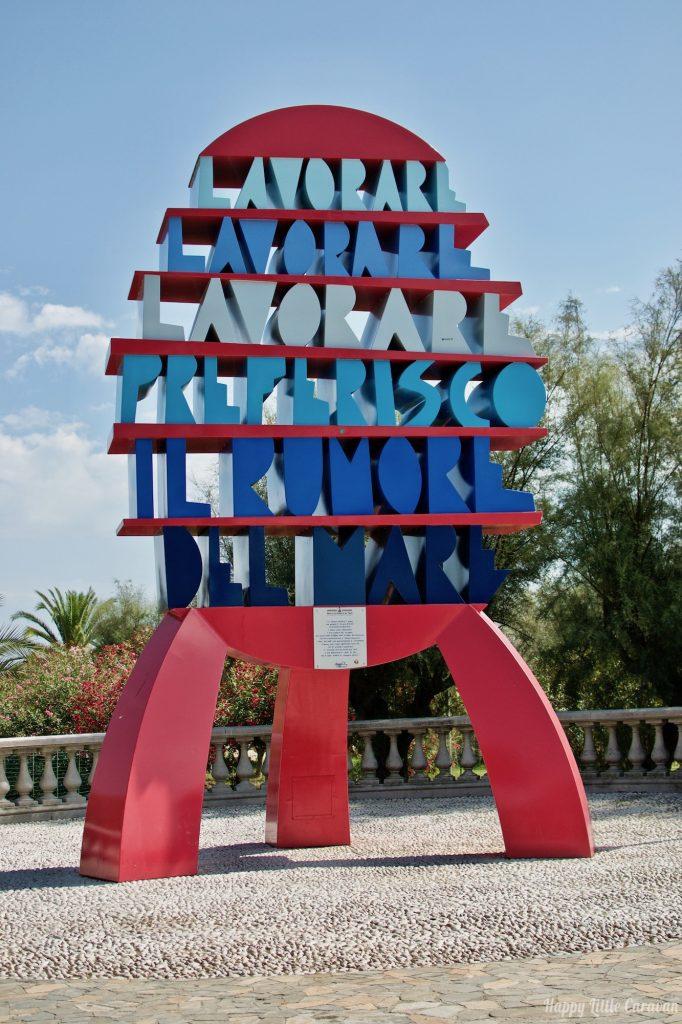 Scultura sul Lungomare di San Benedetto del Tronto