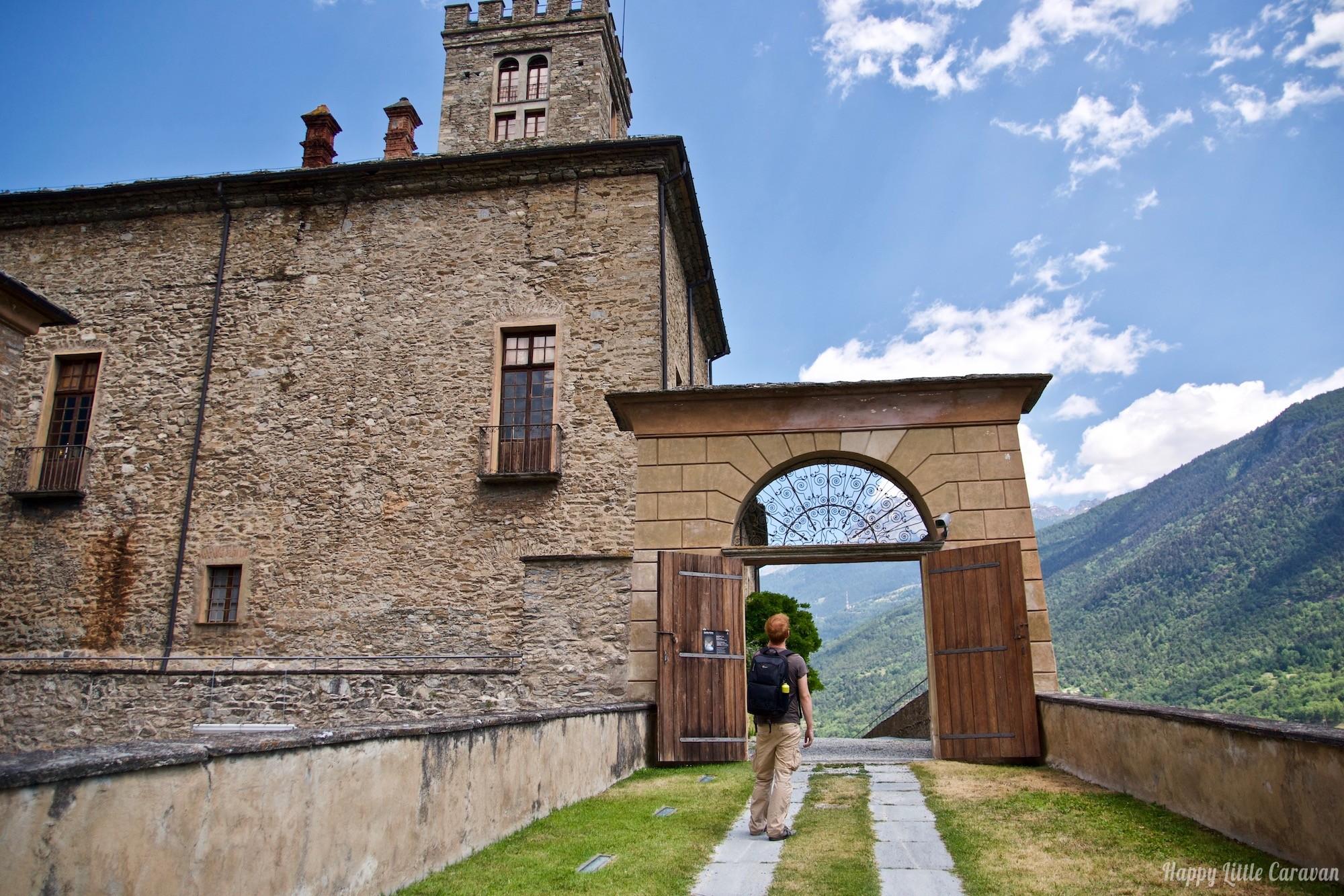 Valle d'Aosta - Castello reale di Sarre